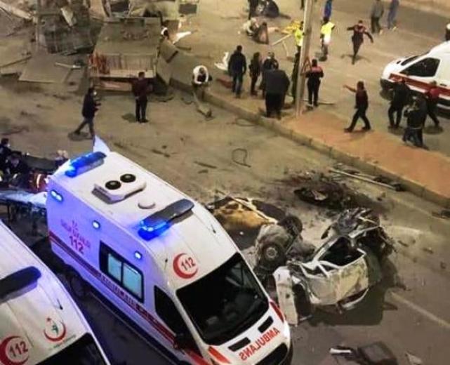 5 aracın karıştığı zincirleme kazada 1'i ağır 5 yaralı
