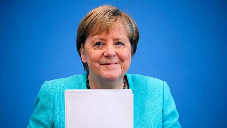 Afgan göçmenlerini Türkiye'de tutmak isteyen Merkel: Türkiye'nin AB'ye üye olmasını beklemiyorum dedi