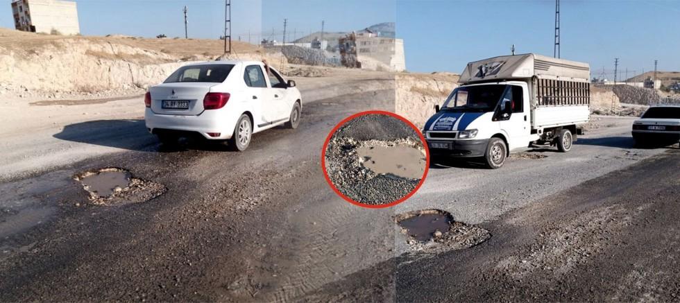 AKP'li belediyenin köstebek yuvası yolu, sürücülere cambazlık öğretiyor
