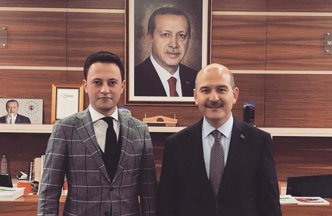 """AKP'li Kürşat Ayvatoğlu, """"kokain değil, pudra şekeriydi"""" ifadesiyle serbest bırakıldı"""