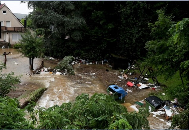 Almanya'da son 50 yılın en büyük sel felaketinde ölü sayısı 141'e yükseldi