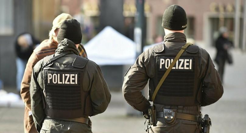 Almanya'nın Başkenti Berlin'de otoparkada silahlı çatışma