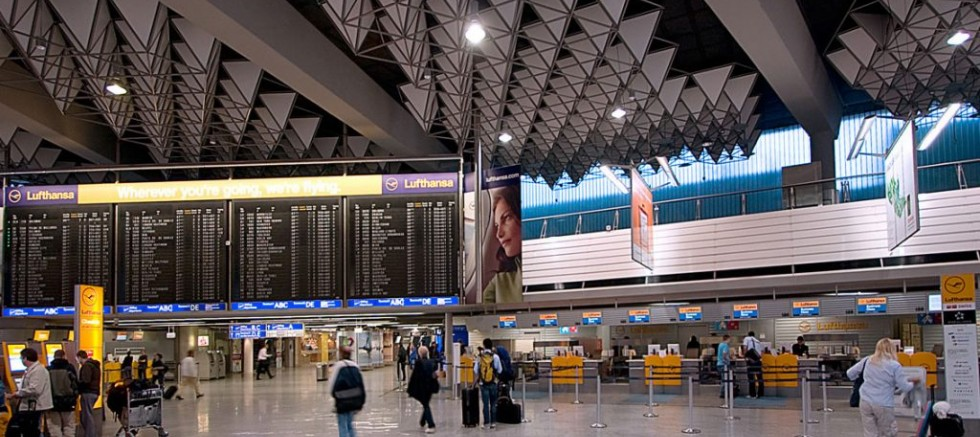 Almanya'nın Frankfurt Havalimanı'nda alarm