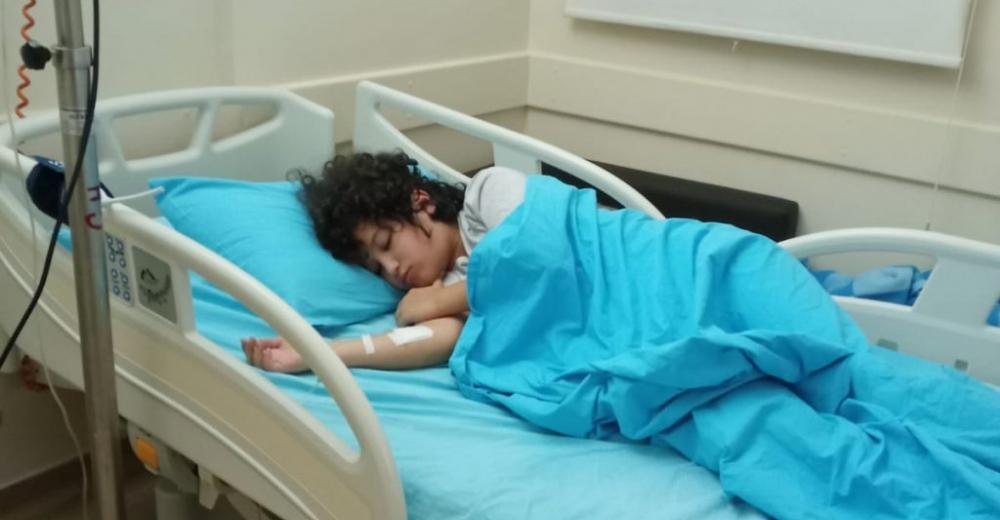 Anne babası Tutuklu olan 12 yaşındaki kan kanseri Hakan yaşam mücadelesi veriyor
