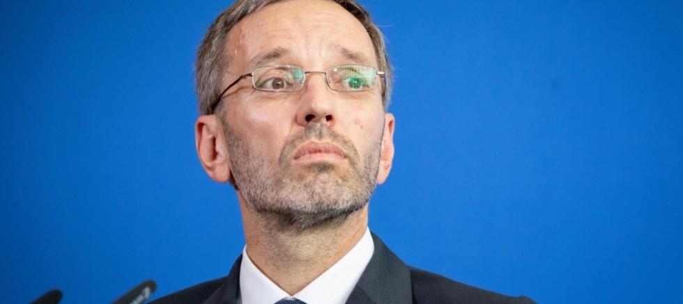 Aşırı sağcı FPÖ'nün yeni lideri eski içişleri bakanı Herbert Kickl oldu