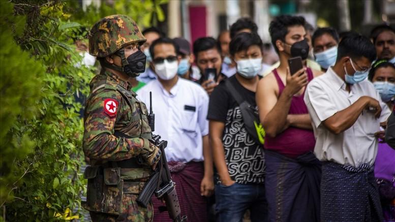 Askeri darbe yapılan Myanmar'da 23 bin mahkum serbest bırakıldı