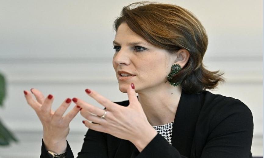 Avrupa Birliği Bakanı Karoline Edtstadler, Türkiye Mülteciler konusunda Avrupa'ya şantaj yapamaz dedi