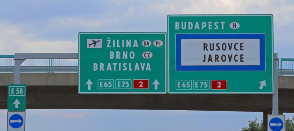Avusturya 2 komşu ülkeyle sınır kapılarını kapatıyor