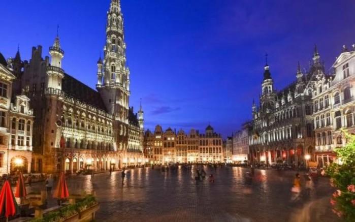 Belçika'da restoran ve kafeler 1 ay kapatılacak