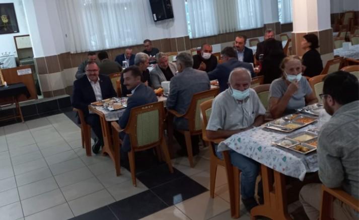 Çorum'da Müftü, Vali yardımcısı ve de AKP'li Çorum Belediye Başkanının katılımıyla oruç açıldı (VİDEO)