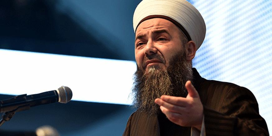 Cübbeli Ahmet yangına çare buldu: Allâh-u Ekber' diye tekbir getirmeye devam etsinler