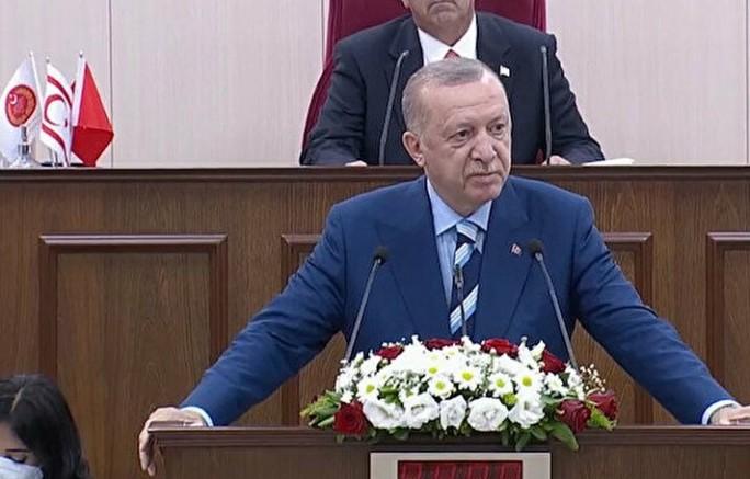 Cumhurbaşkanı Recep Tayyip Erdoğan, KKTC'ye müzdesi Saray ve meclis binası