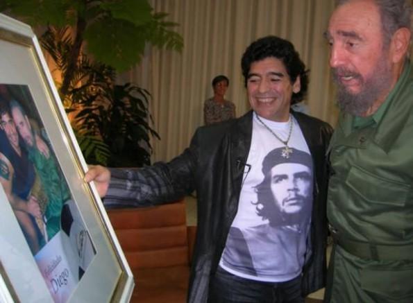 Dünya bir Efsaneyi Kaybetti: Diego Armando Maradona Yaşamını Yitirdi