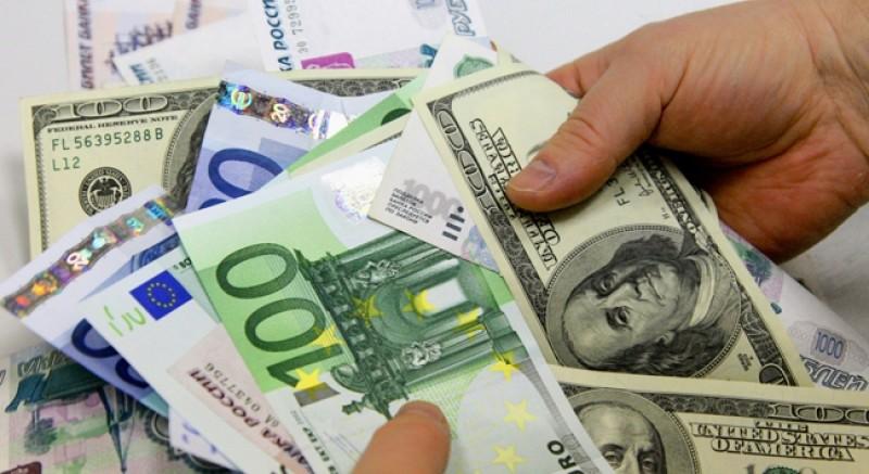 Durdurulamıyor: Dolar ve Euro haftaya yine rekorla başladı