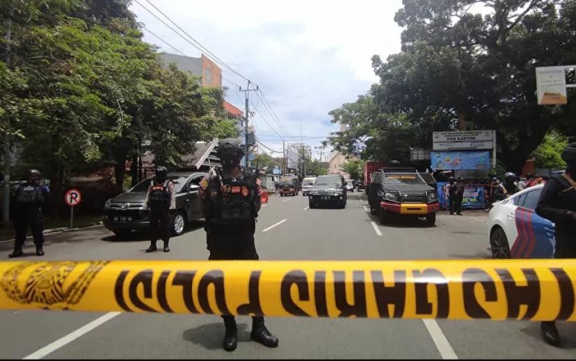 Endonezya'da Katolik kilisesine intihar saldırısı