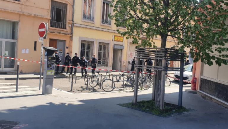 Fransa'nın Lyon şehrinde Faşist-bozkurtlar Kürtlere saldırdı, 4 kişi yaralı