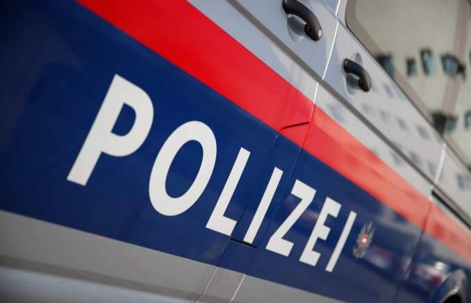 Graz'da bıçaklı saldırı: Polis memurlarına bıçakla sadırdan şahıs vurularak durduruldu