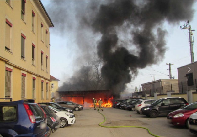 Graz'da çöp konteyneri ve bir evde yandın çıktı