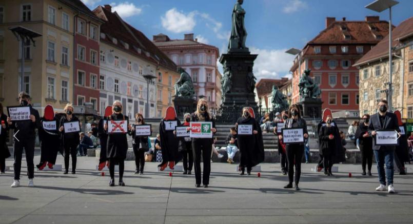 Graz Hauptplatz'da SPÖ kadınlar kadın cinayetini protesto etti