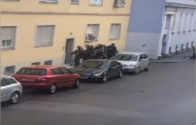 Graz-Lende silah sesleri: Polis bir eve operasyon düzenledi (VİDEO)