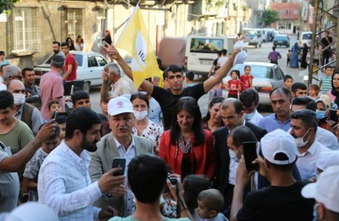 HDP Eş Genel Başkanı Pervin Buldan Antep'te coşku ile karşılandı