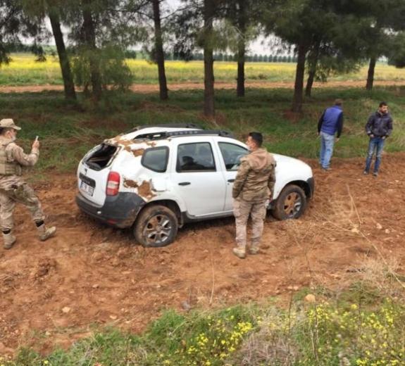 HDP'lilerin içinde bulunduğu araç takla attı