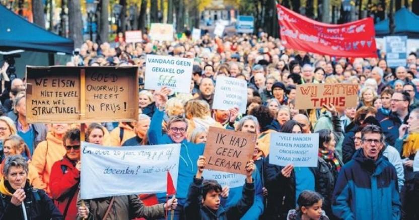 Hollanda'da öğretmenlerin grevi birçok okulda öğrenim durdurdu