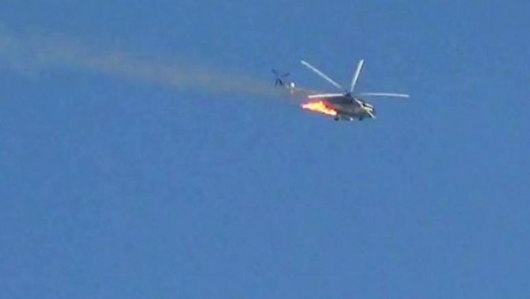 İdlib'de Türkiye destekli guruplar Suriye helikopterini düşürdü