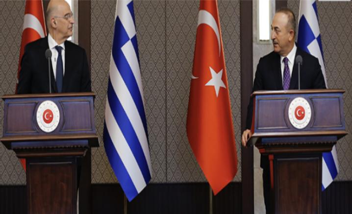 İki Bakan Basın toplantısında tartıştı