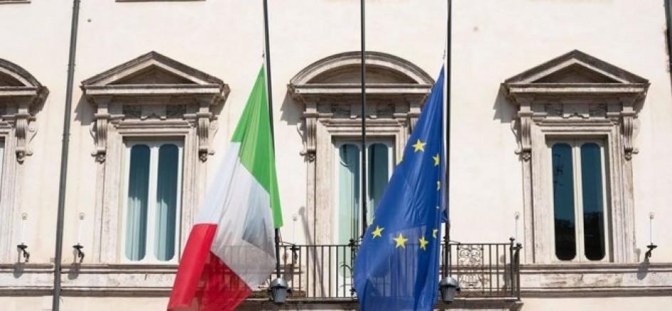 İtalya bayrakları yarıya indirdi kayıpları için yaş tutuyor