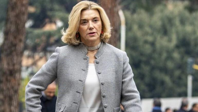 İtalya'da ilk kez istihbaratın başına bir kadın getirildi