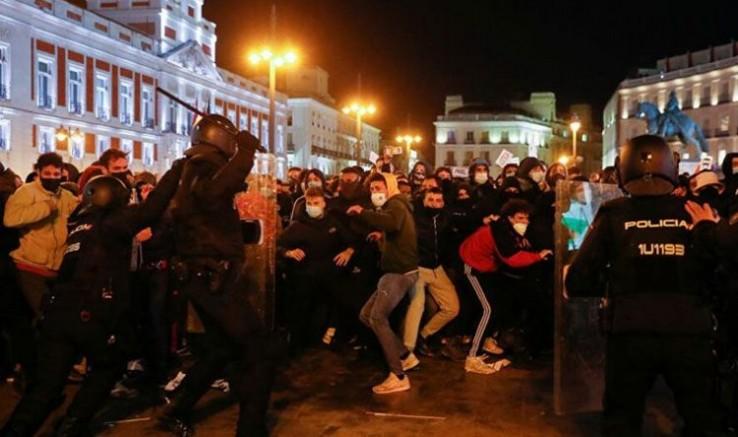 Katalonya'da devam eden gösterilerde 44 kişi gözaltına alındı