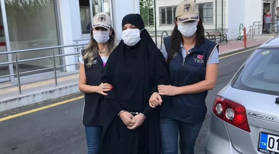 Kırmızı bültenle aranan IŞİD militanı kadın Adana'da yakalandı
