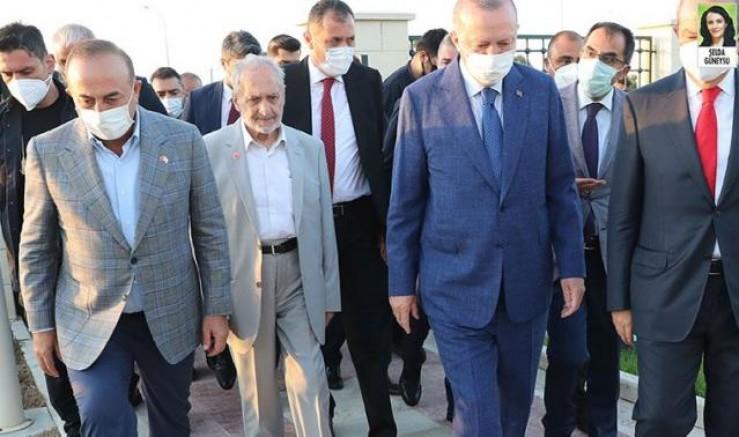 Koronavirüse yakalanan Oğuzhan Asiltürk'ün aşı karşıtı olduğu ve maske takmadığı ortaya çıktı