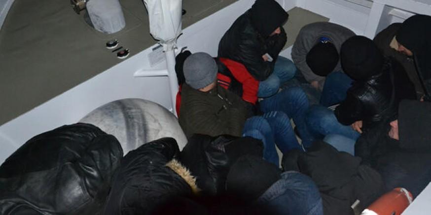Kuşadası'nda 64 düzensiz göçmen yakalandı