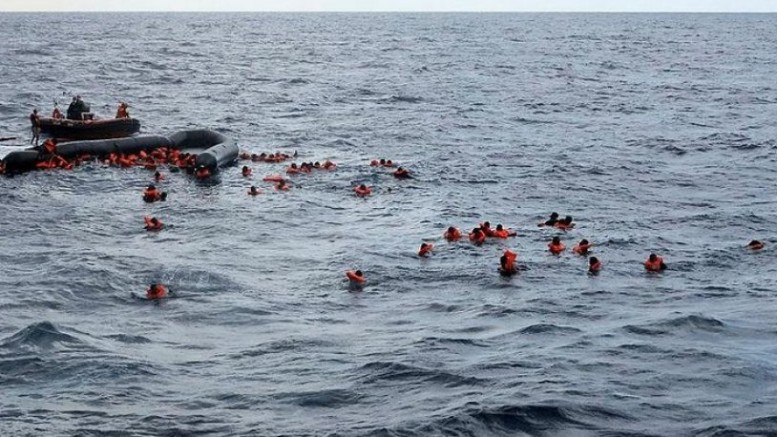 Libya açıklarında göçmen teknesi battı: 1'i bebek 6 kişi yaşamını yitirdi