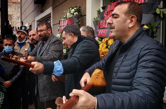 Metin Karataş'ın eylemi ve söylemi Yol'a bağlı bir sanatçı duruşudur