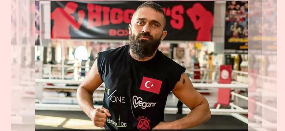 Muhalif Boksör Ünsal Arık'a bıçaklı saldırı