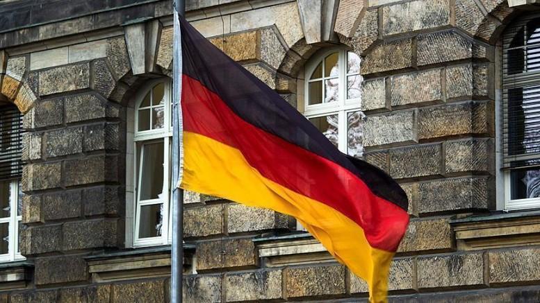 Müslümanlara yönelik silahlı ve bombalı eylem hazırlığı yaparken yakalanan neo-Nazi Susanne G'ye 6 yıl hapis