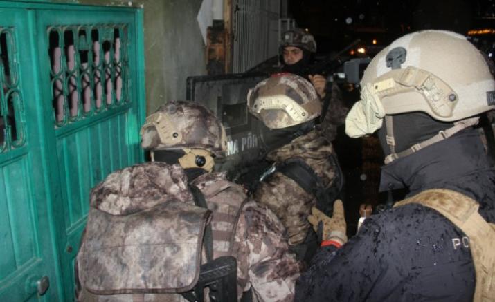 Sedat Peker'in lideri olduğu belirtilen organize suç örgütüne yönelik operasyon