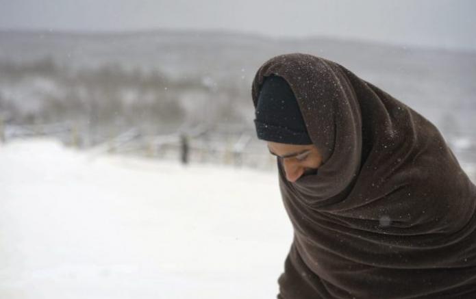 Soğuk kış gününde Lipa kampındaki sığınmacılar sokakta kaldı