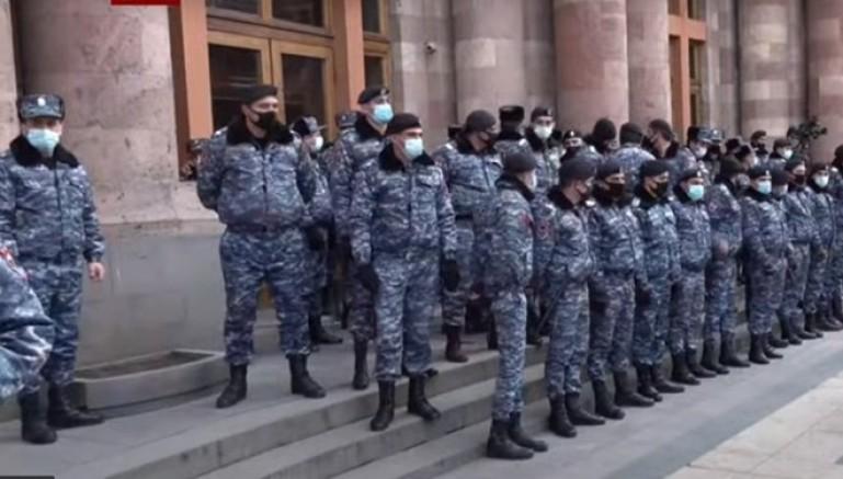 Son Dakika: Ermenistan'da Darbe Girişimi