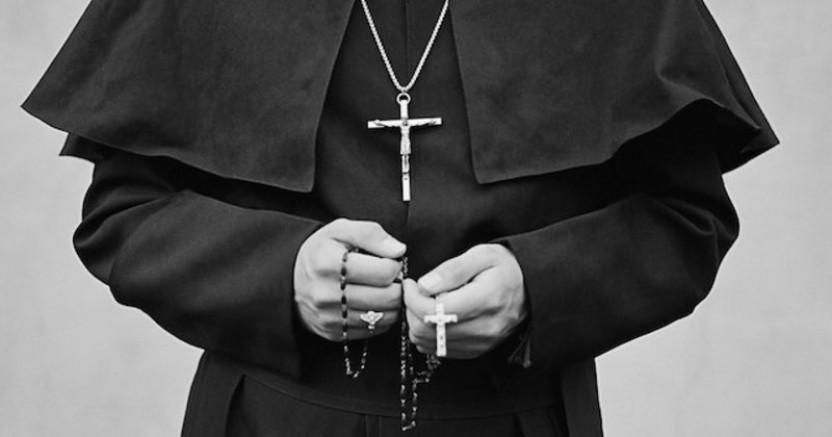 Tecavüzcü Papaz, Eşinin şikayetiyle tutuklandı