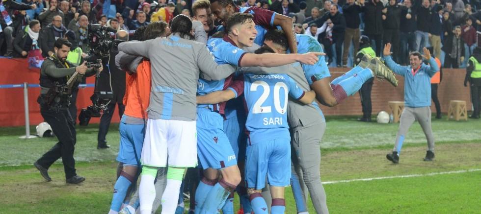 Trabzonspor – Fenerbahçe'yi evinde 2-1 devirdi