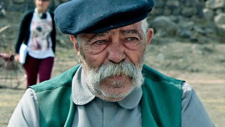Usta oyuncu Erol Demiröz, hayatını kaybetti