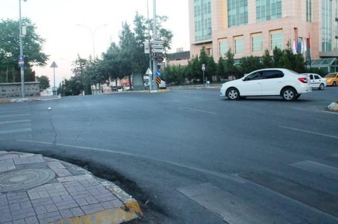 Vatandaşlar sokağa çıkma yasağını yanlış anladı: Caddeler bomboş kaldı
