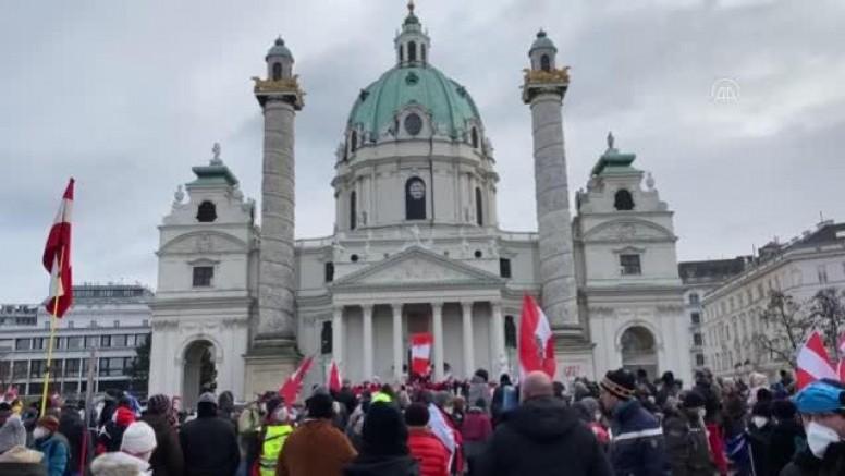 Viyana'da Kovid-19 Önlemleri Protesto Edildi