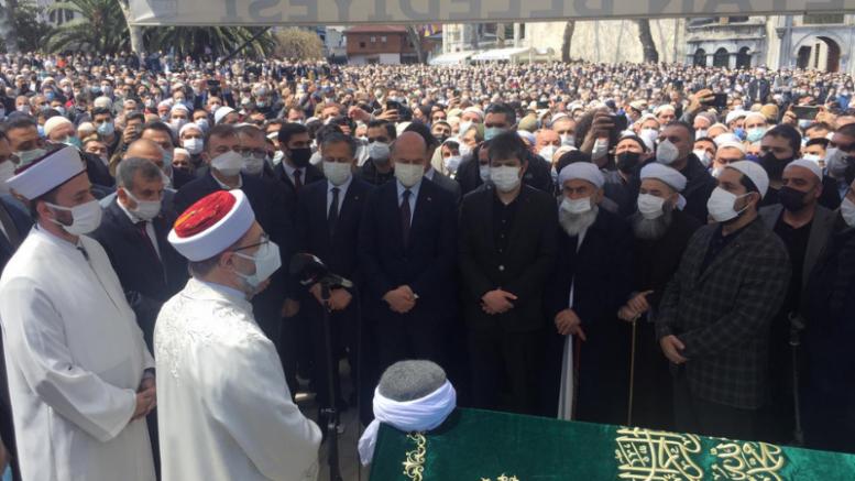 Yine Lebaleb: Soylu ve Erbaş'ın da katıldığı cenazede izdiham